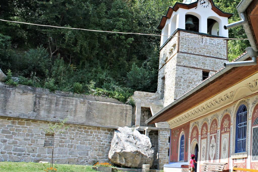 macigno al Monastero della Trasfigurazione