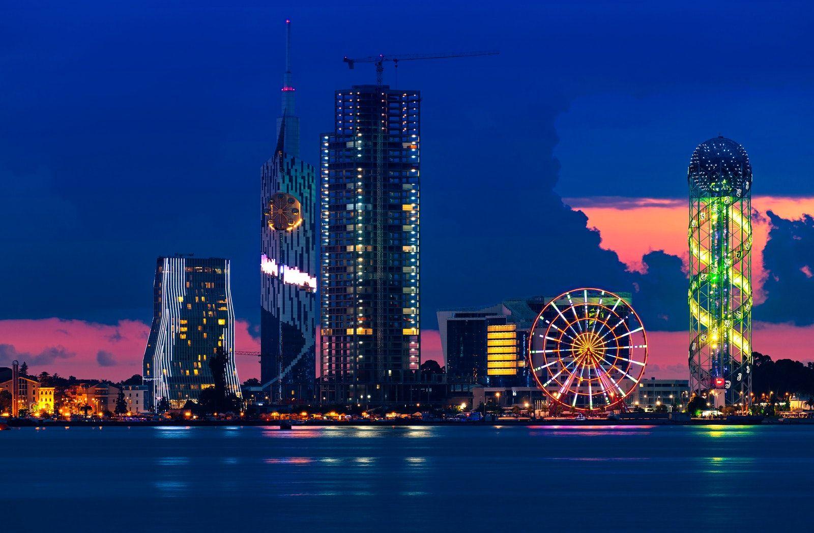 Batumi e il suo avveniristico modern-skyline dalle Mille e una Notte