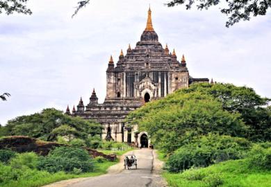Il tempio di Thatbyinnyu e l'incantesimo del silenzio
