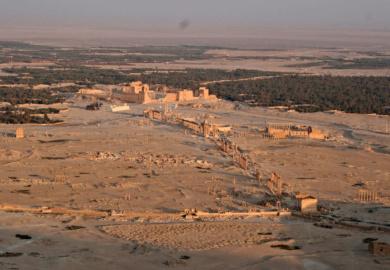 "Palmira, la ""sposa del deserto"" stuprata dai talebani"