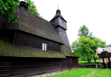 Carpazi slovacchi e il mistero delle chiese in legno senza chiodi