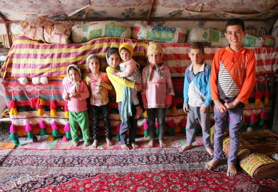 Il sapore del tè persiano nelle tende dei nomadi bakhtiari